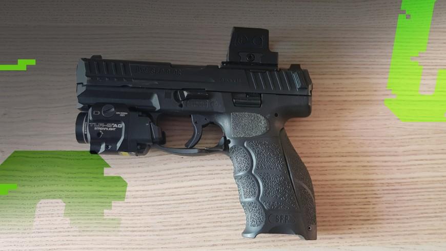 pistolet holosun z kolimatorem