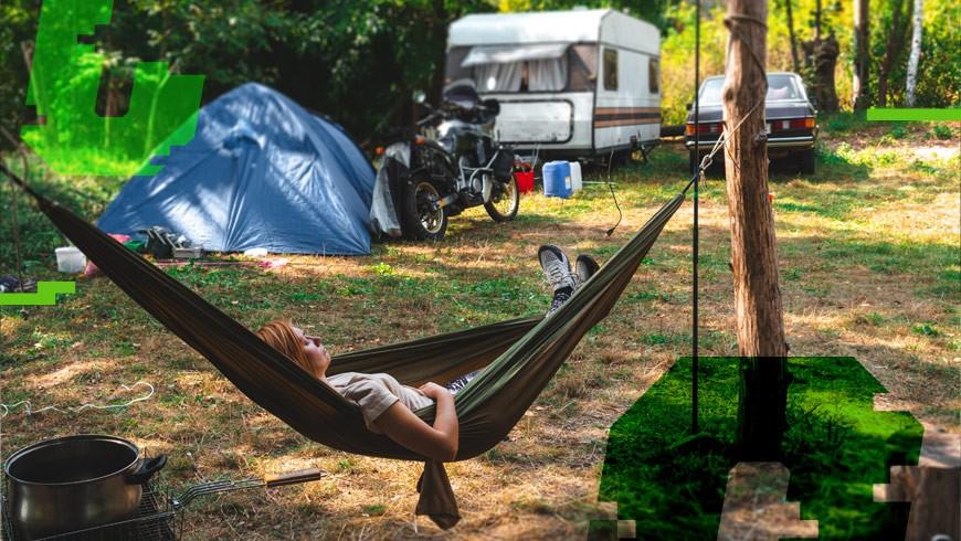 relaks podczas uprawiania karawaningu