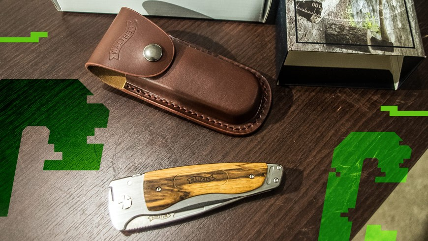 unboxing noża Walther Traditional Folder Wood 3